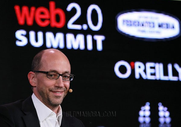 El CEO de Twitter, Dick Costolo, durante la Web 2.0 Summit en San Francisco, el 17 de octubre 2011. | GETTY IMAGES