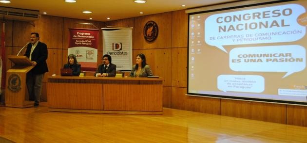 Apertura del Cogreso. Gustavo Candia. Semillas para la Democracia y Directores de carreras de Comunicación.